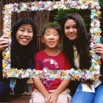 """Angela and Erica, the perfect """"frames"""" to highlight Jeremy."""